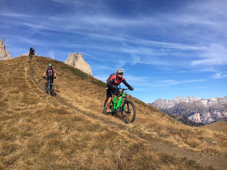 Mountain Biking Col Rodella - Burning dolomites